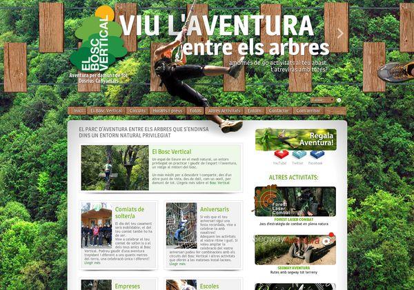 Parc d'aventura las arbres a Canyamars, a prop de Barcelona.