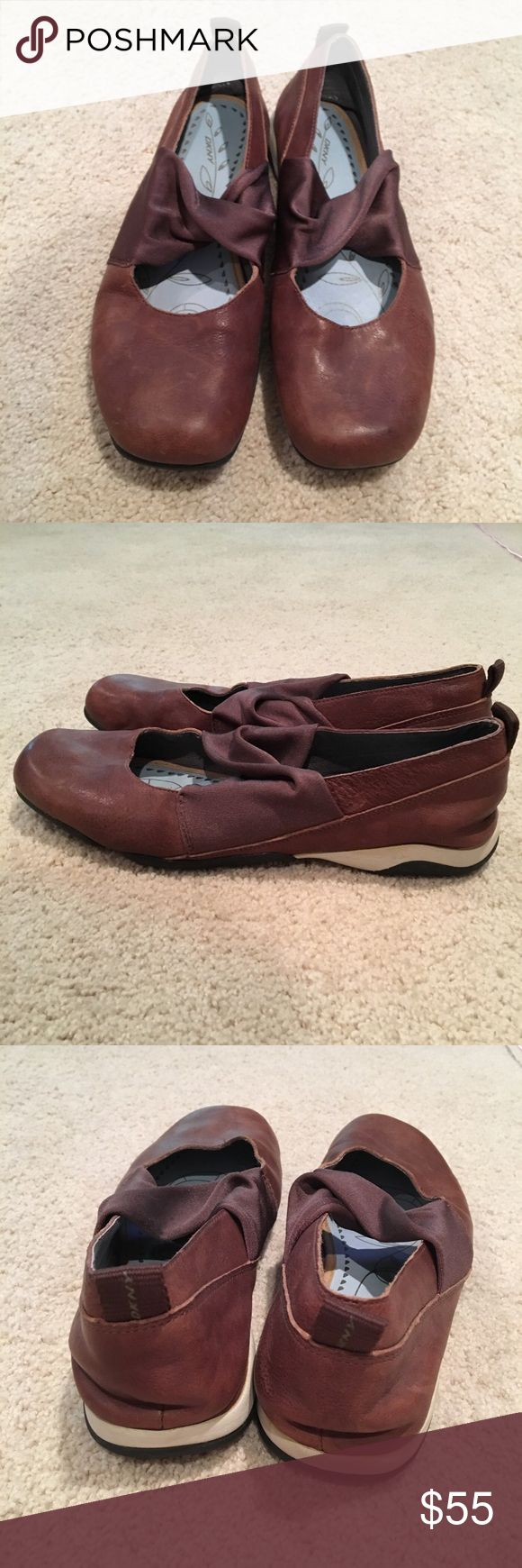 DKNY Comfort Ballet Flats Tan Brown 8 These DKNY flats are like new and have only been worn a few times. The insole is cushioned for extra comfort and support. Size 8. Bundle and save! Dkny Shoes Flats & Loafers