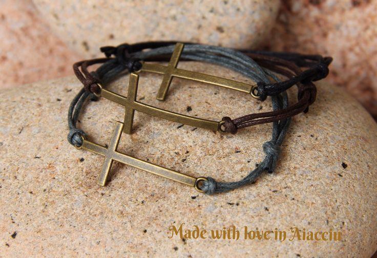 bracelet homme croix bronze ,et cordon ciré ajustable : Bijoux pour hommes par made-with-love-in-aiacciu