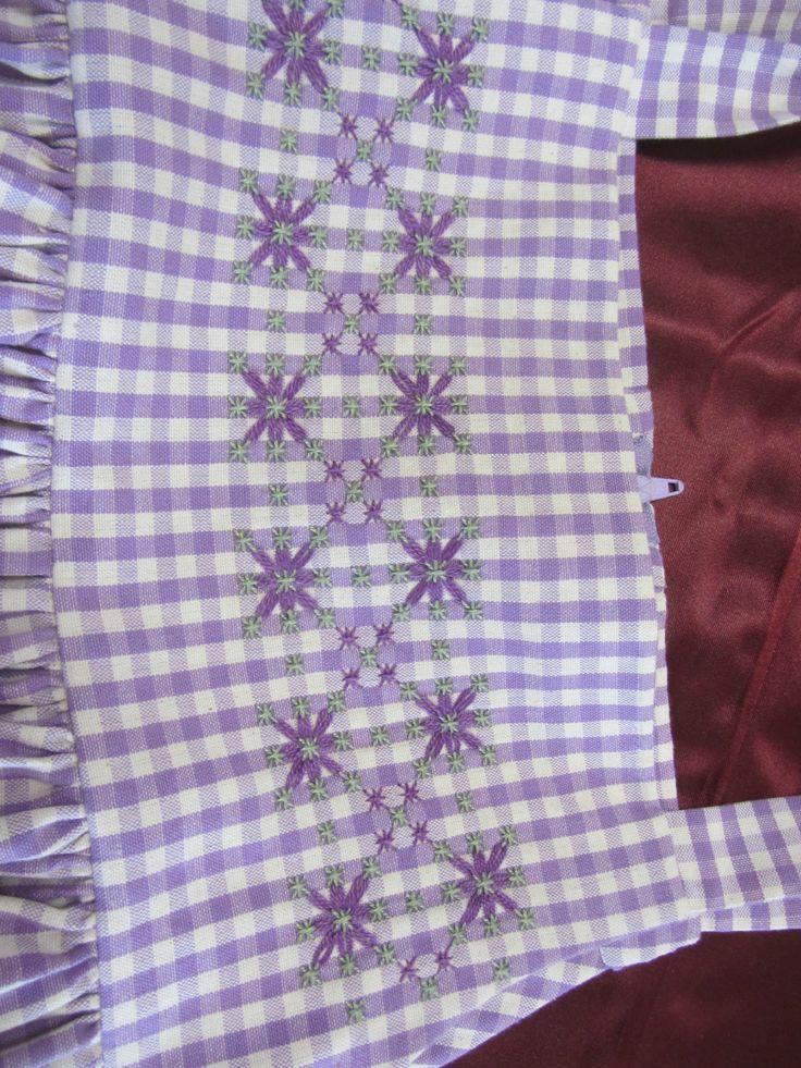 581 best chicken scratch embroidery images on pinterest - Broderie suisse grilles gratuites brigitte rainglet ...