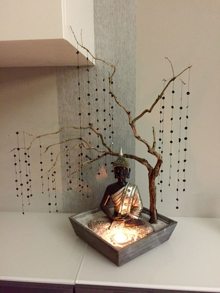 Buda con árbol