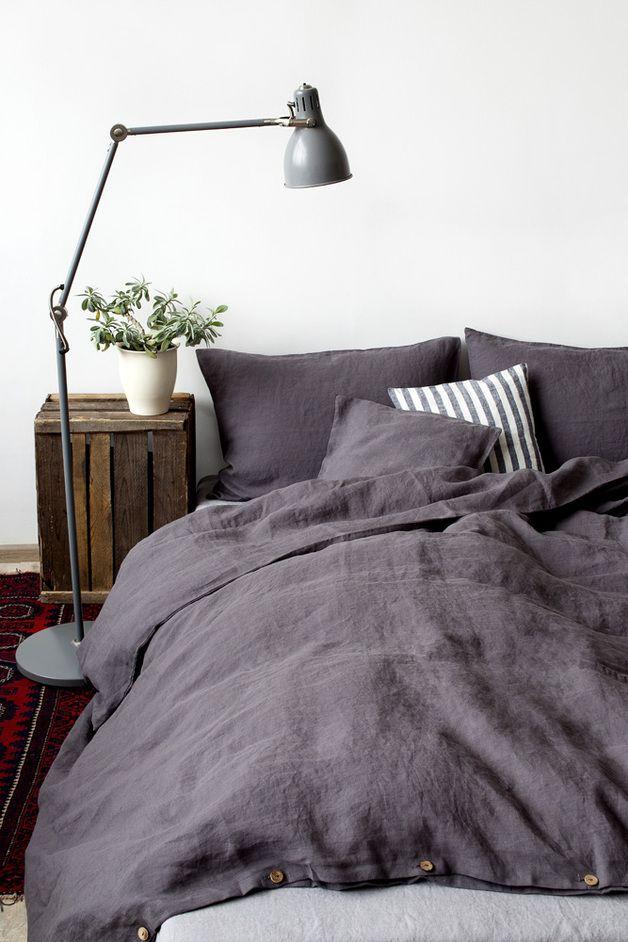 Stone-washed Bettwäsche aus grauem Leinenstoff / grey bed linen made by Natur-Leinen via DaWanda.com