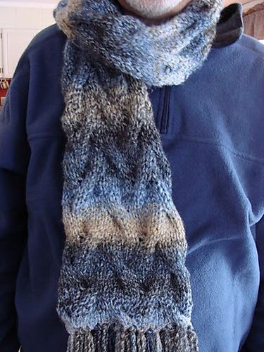 Knitting Pattern For A Dog Scarf : 17 Best images about Knitting Scarfs & Co on Pinterest Free pattern, Ca...