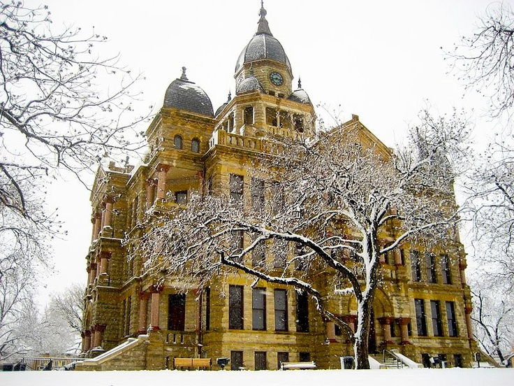 Denton, Texas county courthouse. Oh, how I miss going to Jupiter House for study sessions. @Collin Day Basham