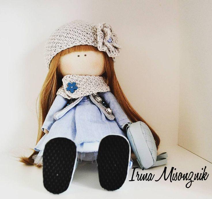 40 отметок «Нравится», 1 комментариев — Интерьерные куклы из текстиля (@irruussik) в Instagram: «Куколка продается, рост 28 см. Стоимость 3 000. #кукла #тильда #интерьернаякукла #текстильнаякукла…»
