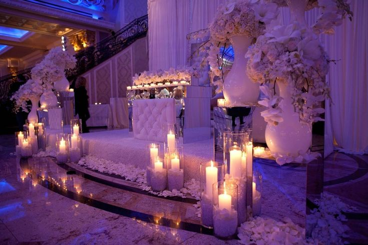 Image Result For Purple And Gold Wedding Queen Day Pinterest Reception