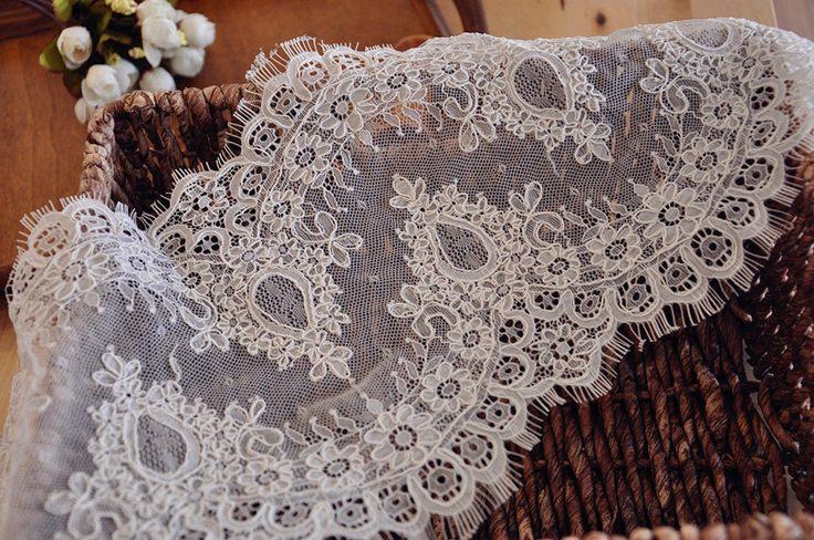 3 ярды шантильи кружевной ткани для Birdal свадебная фата, алансон кружевной отделкой ресницы для свадебное платье, свадебные платьякупить в магазине LacewoodнаAliExpress