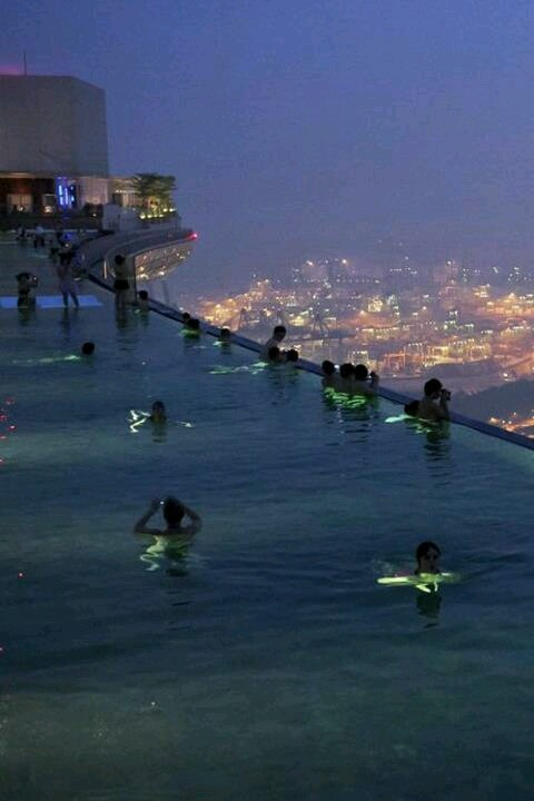 Singapore rooftop pool like this pinterest - Rooftop swimming pool in singapore ...
