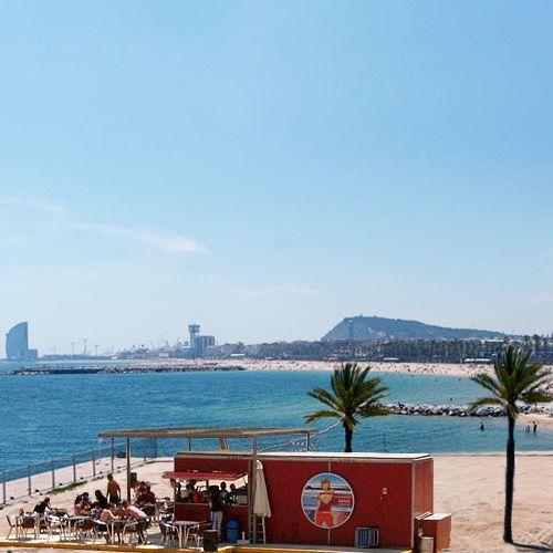 La plage chic de Barcelone à fréquenter !