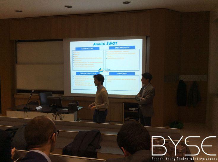 La presentazione di Andrea Rocco e Daniel Amroch e della loro startup, EasyFeel, durante il secondo pitch di byse (Bocconi Young Students Entrepreneurs)