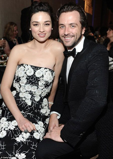 Actress Crystal Reed is dating Scottish TV presenter Darren McMullen: Know all the details