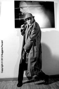 LATENT IMAGE, photos of Teresa Mancini, Exhibition - Rome 7/22 March 2013 - Zibaldone di Cose, San Lorenzo - opening with Romano Rocchi - photo by Ruggero Passeri