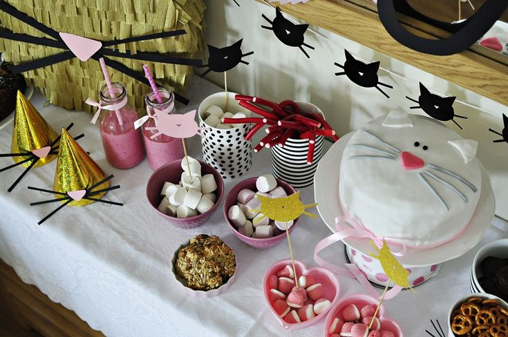 kitty cake kids party inspirations