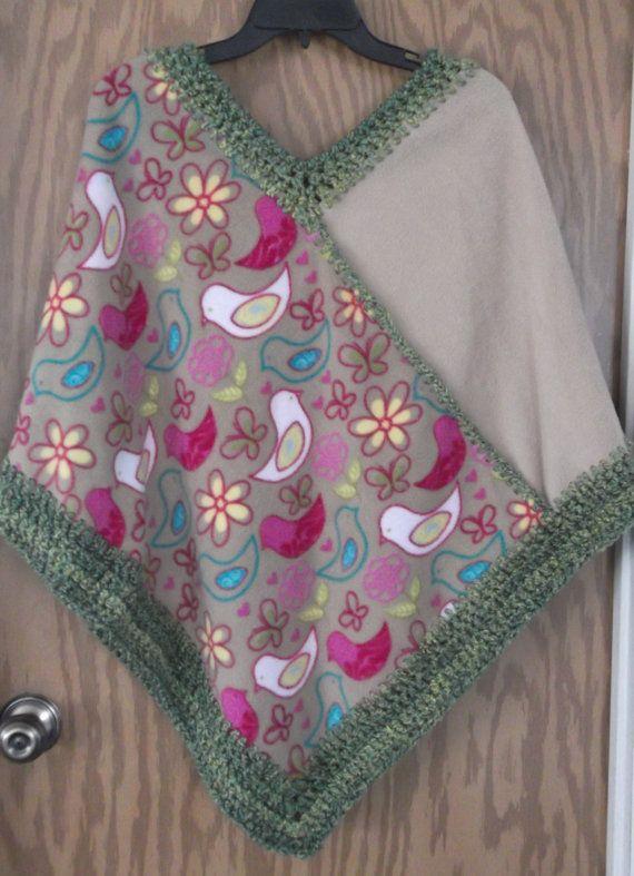 Camel Flower and Bird Print Fleece  Poncho por DebsCrochetedTherapy