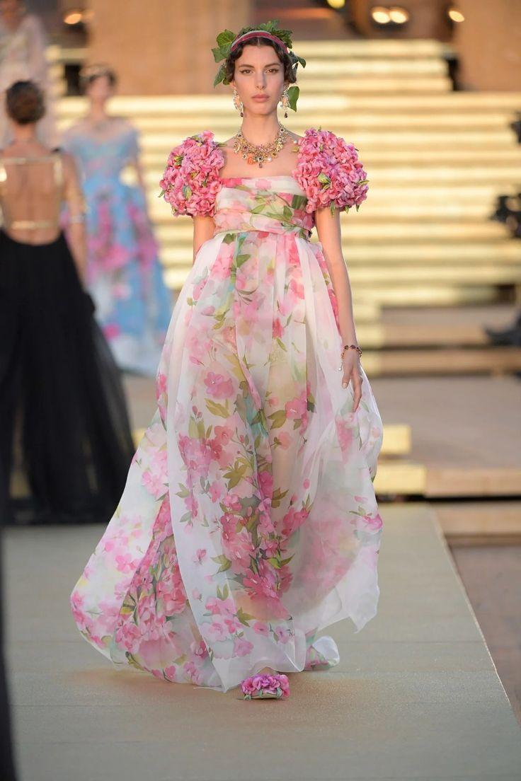Fashion Designers Haute Couture Fashion Designers Haute Couture Casual Outfits Fashion Desi In 2020 Couture Fashion Haute Couture Fashion Haute Couture Dresses