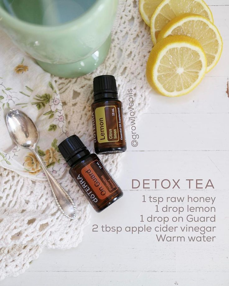 Drinking this tea this morning (and basically every other morning). Just one drop each of lemon essential oil and on Guard blend which has cinnamon, wild orange, rosemary, eucalyptus, and clove. So good and on guard helps to support the immune system. Which is excellent because I woke up with a scratchy throat. Ps. DōTERRA is the only brand I recommend taking internally--if you don't have them in your life you need them ✌ #growloveoils  #Regram via @growloveoils