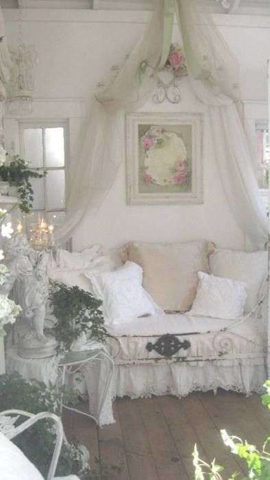 Shabby chic: Idea, Beds, Dreams, Shabby Chic, Gardens Houses, White Rooms, Cindy Ellie, Vintage Rooms, Canopies