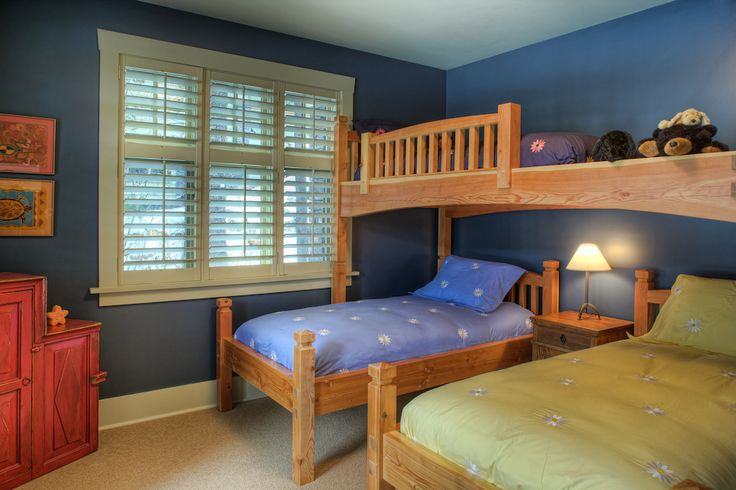 Bedroom by Quiniscoe Homes  quiniscoe.ca