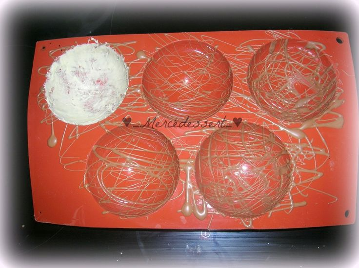 Dôme chocolat blanc mousse au mascarpone et fraises