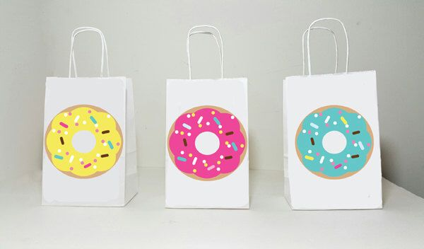 Donut Goody Bags, Donuts Party Bags, Donut Gift Bags, Donut Treat Bags, Donut Goodie Bags, Donut Birthday, Donut Party, Donut Favors by CraftyCue on Etsy https://www.etsy.com/au/listing/458442730/donut-goody-bags-donuts-party-bags-donut