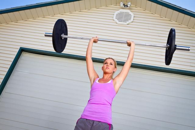 Build Enviable Shoulder and Neck Muscles with the Overhead Press: Positioning the Body for the Standing Overhead Press