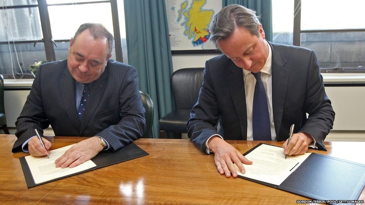 A deal setting out terms for a referendum on Scottish independence has been signed by Prime Minister David Cameron and First Minister Alex Salmond. The agreement, struck in Edinburgh, has paved the way for a vote in autumn 2014.