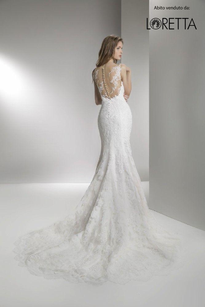 Collezione 2017   Abito da sposa a sirena con trasparenze e decorazioni sulla schiena #sposa #vestito #matrimonio