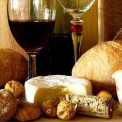 Cómo maridar el vino Rioja. La Rioja es una zona histórica de producción de vinos, y el vino Rioja es uno de los más emblemáticos de España. Son los vinos más vendidos, y junto al cava, los más exportados. Durante años la imagen...
