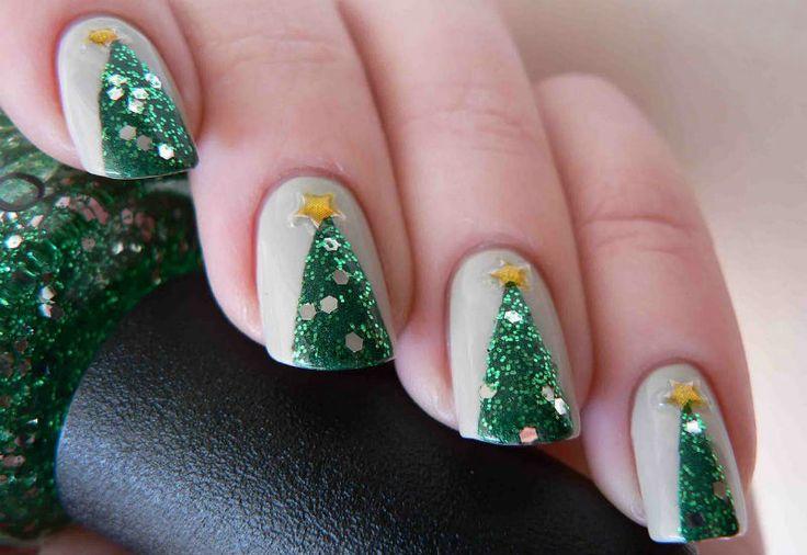 Christmas nail art: christmas tree