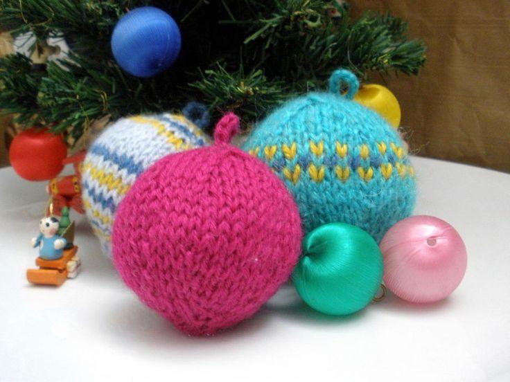 Come fare le palline di Natale a maglia