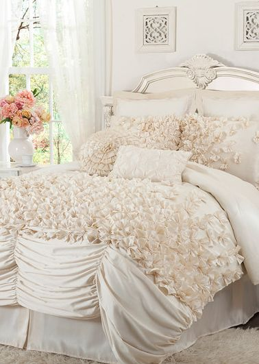 i'm absolutely in love with ivory bedding and all of this gorgeous texture!