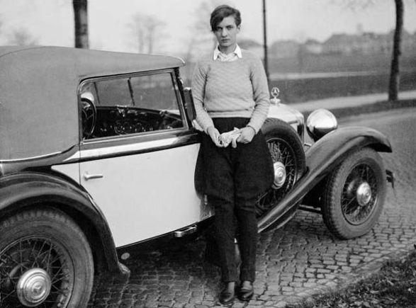 Marianne Breslauer      Annemarie Schwarzenbach and her Mercedes, Berlin 1932