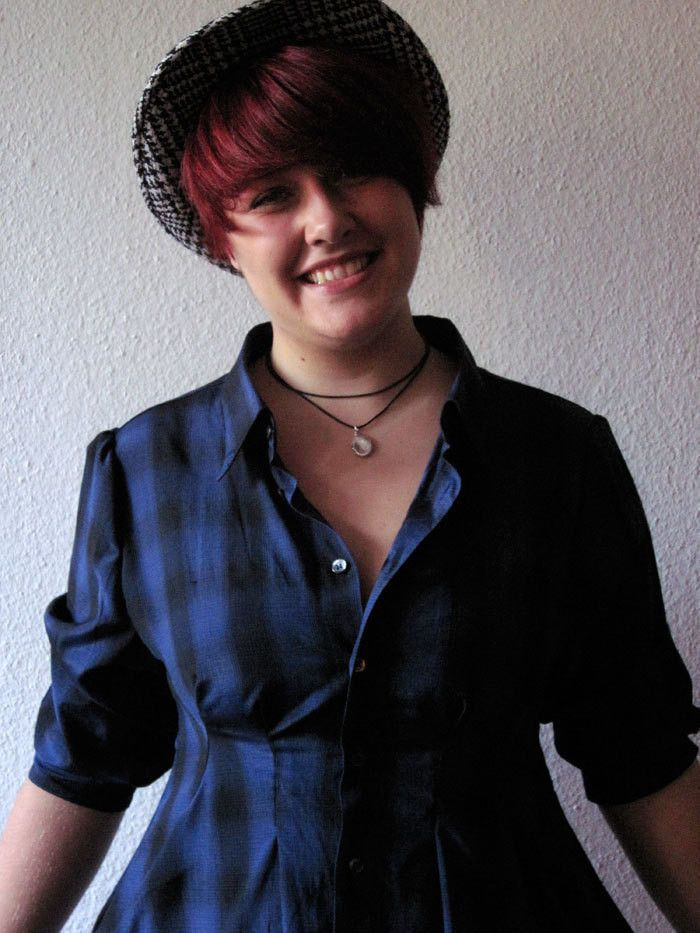 Take an old button up and make yourself a dress ^^