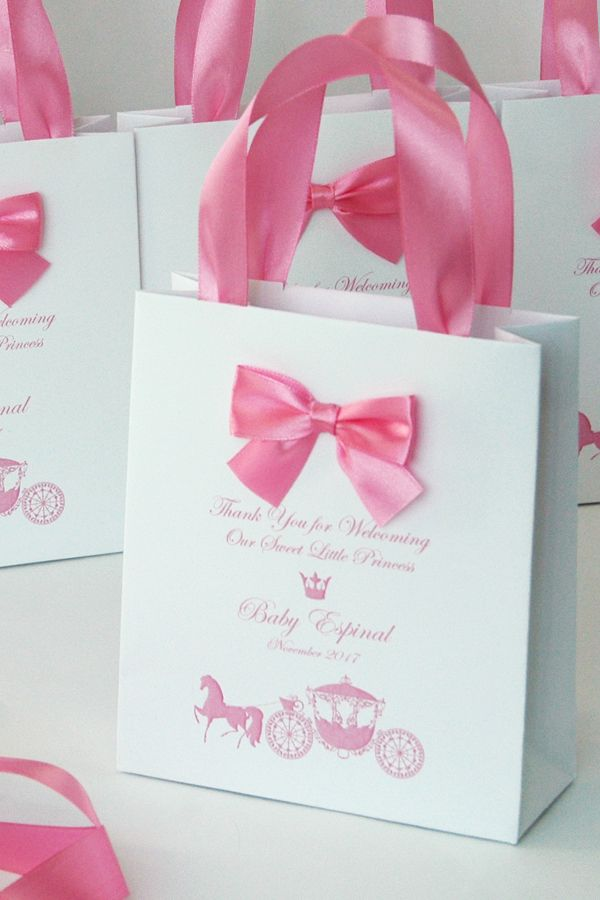 Baby Shower Party Favor Bags Elegant Welcome Bag With Bow And Etsy In 2020 Baby Shower Gifts For Guests Baby Shower Favours For Guests Baby Shower Gift Bags
