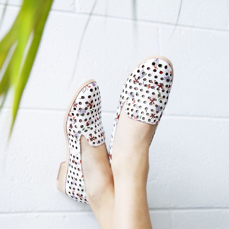 Flower Power 🌸 with the @mollinishoes 'Quintity' punched leather loafers. A chic alternative to summer sandals, these flats feature a gorgeous floral pattern with cute cut-outs through the leather upper.   Buy now at $179.99 or wear now and pay later with 6 payments of $29.99 with Laybuy. Shop: https://www.shoeconnection.co.nz/womens/shoes/flats/mollini-quintity-floral-punched-leather-loafer?c=White%20Floral