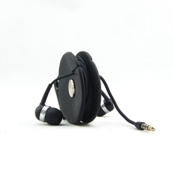 Etsy の TunePoint an earbud organizer / holder: by ABOVETHEFRAYCO