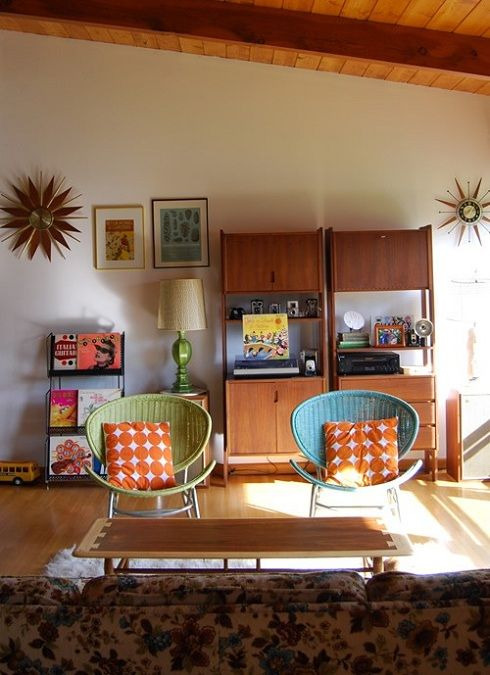 retro, starburst clocks, 50s ranch house...yes please.