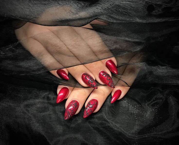 404 best wicked nails images on pinterest december nails red glitter with black glitter sugar nail art wickednails prinsesfo Choice Image
