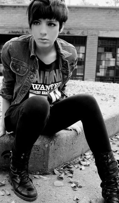 Grunge style. Ramones wanted cuidado shirt. Black leather boots. Denim jacket  outfit.
