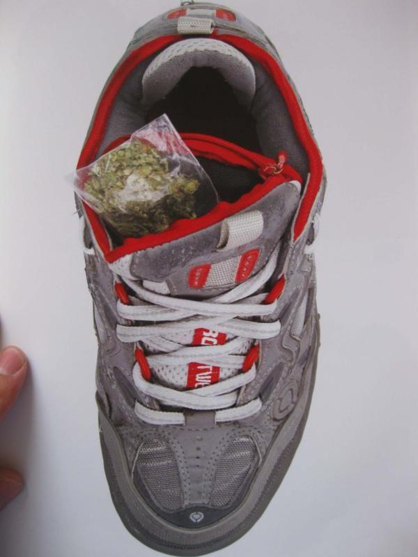 Secret compartment in tongue of shoe & 86 best Secret compartment images on Pinterest | Secret ... Aboutintivar.Com