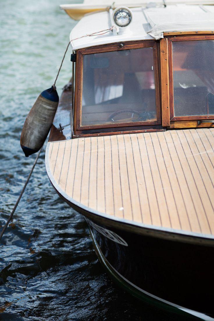 Maggiore Lake, Stresa - typical boat - Destination Wedding Italy -  Princess Wedding www.princesswedding.it ph. Due Punti Wedding