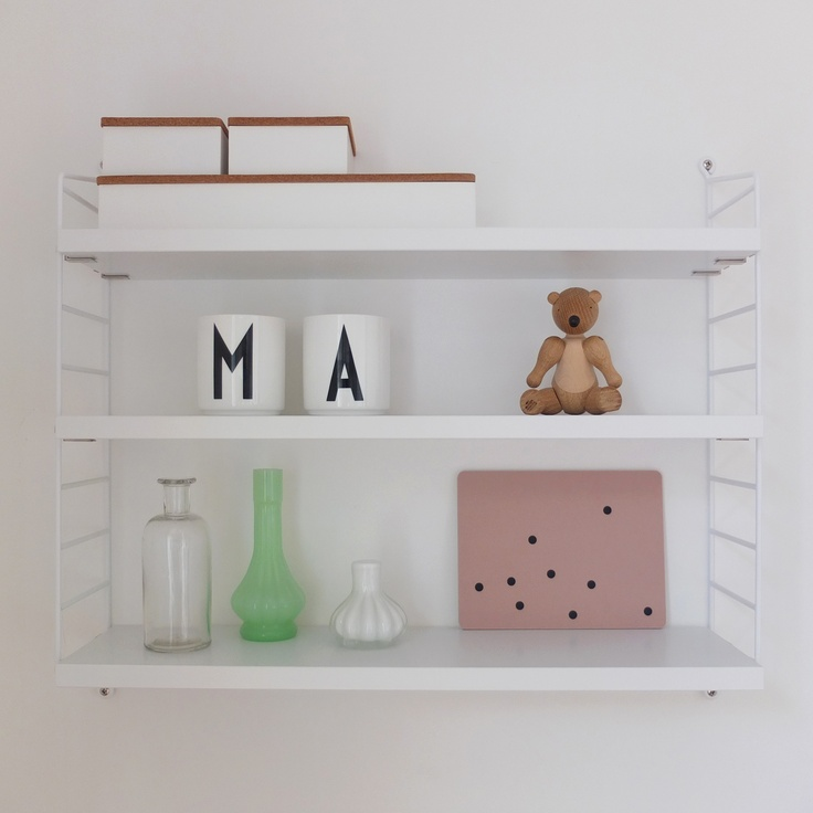 String Pocket shelf.