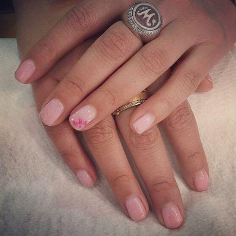#foryournails #roma #semipermanente #nailart #rosa #mani #pronails #parioli #vialeparioli