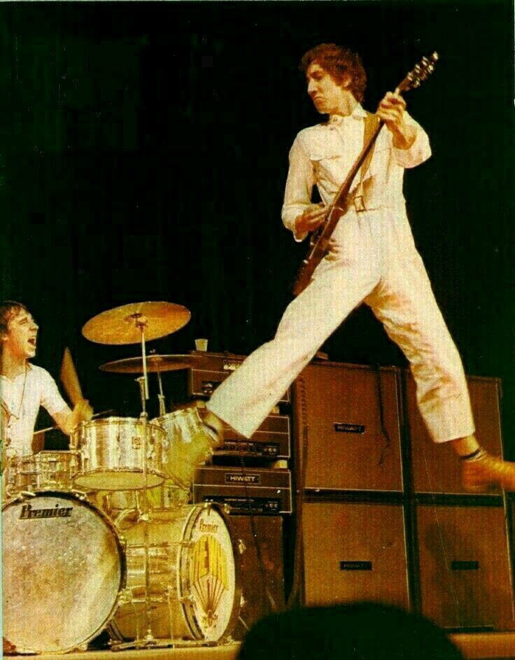 97767e712518d Pin by Kelly Murphy on the who