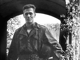 Richard D. Winters. 101st Airborne Division. Easy Company, 1st Battalion, 506 Regiment. WWII