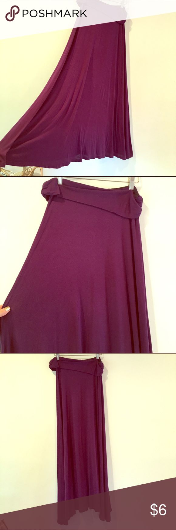 Purple maxi skirt💜 Size med/large purple maxi skirt. Pre-loved condition. Body Central Skirts Maxi