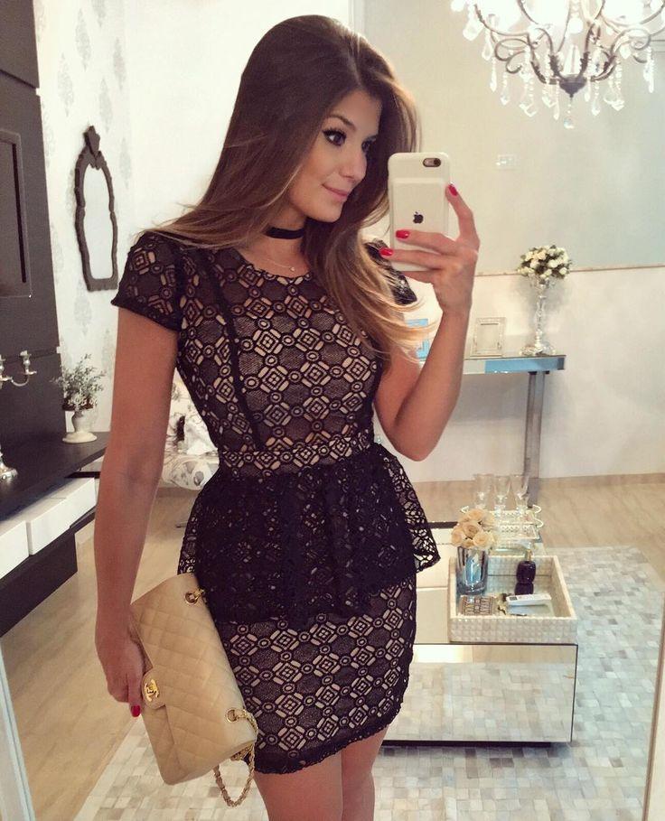 {Night ✨} De @dressingupp ❤️ Vestido de guipir peplum! www.dressingup.com.br • #ootn #lookofthenight #selfie #lookdanoite #blogtrendalert