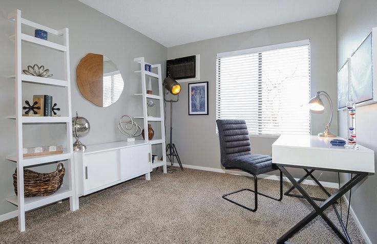 This open office space would be an amazing place to get all your work done. #Fifteen98Naperville #Apartments