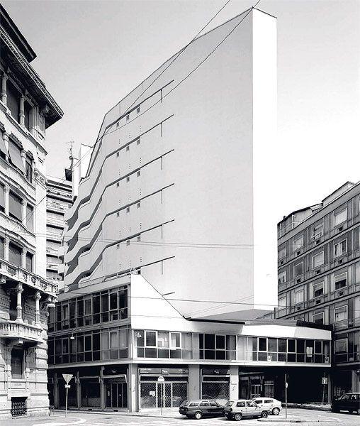 Luigi moretti corso italia complex milan 1956 for Casa moderna milano