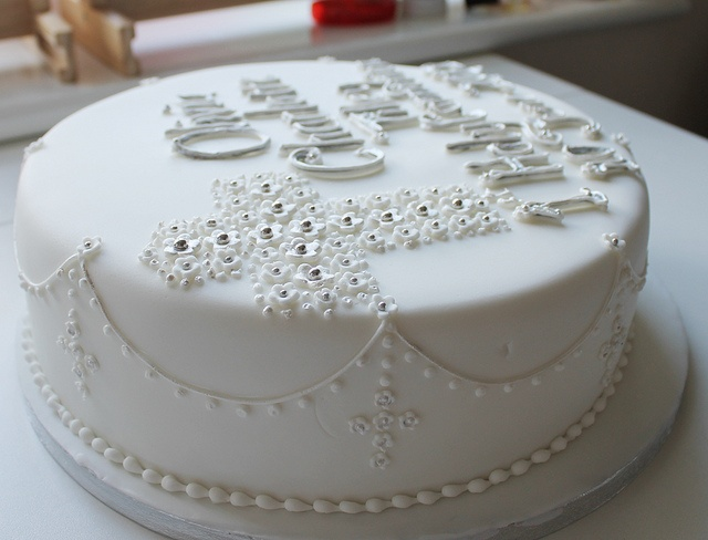 Best 25 holy communion cakes ideas on pinterest for 1st holy communion cake decoration ideas